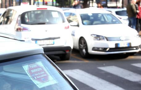Taxi in agitazione contro il Milleproroghe. Disagi a Roma, Milano e Torino
