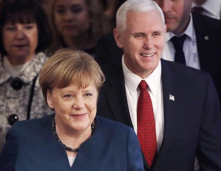 Vicepresidente Usa Pence: incrollabile l'impegno Usa nella Nato