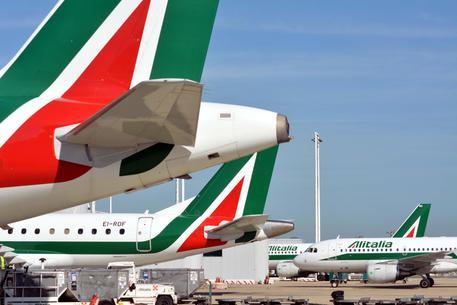 Alitalia, raggiunto un accordo coi sindacati