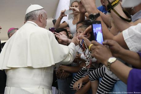 Papa ai parroci: Siate vicini a chi vuole separsi o convivere