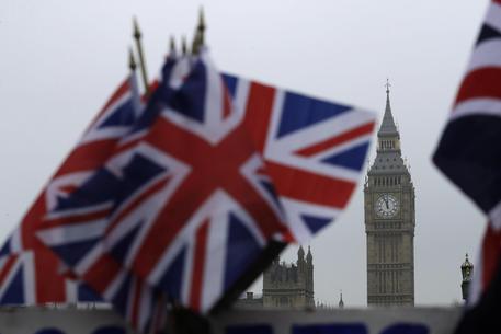 VIDEO La Camera dei Lord frena il governo sulla Brexit
