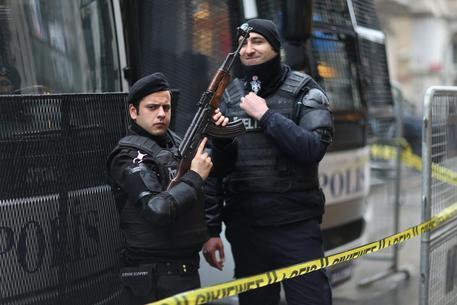 Turchia, nuovo blitz contro i presunti golpisti: oltre 800 arresti