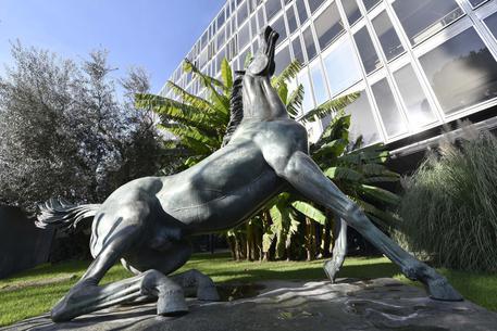 Evasione: Renzi pensa di mettere altre tasse oltre canone Rai in bolletta?