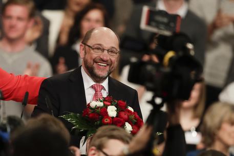 Germania, Schulz eletto presidente Spd col 100% dei voti