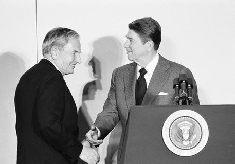David Rockefeller con Ronald Reagan (archivio) © AP