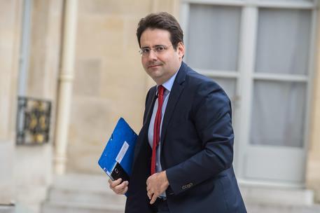 Francia: governo, si dimette ministro Interno Le Roux