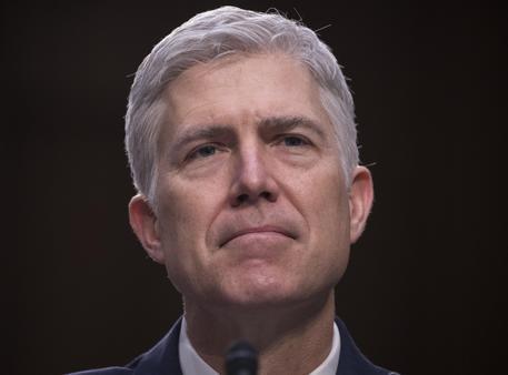 Trump: con 55 voti a 45 Senato blocca conferma Gorsuch