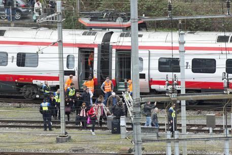 Treno italiano deraglia in Svizzera