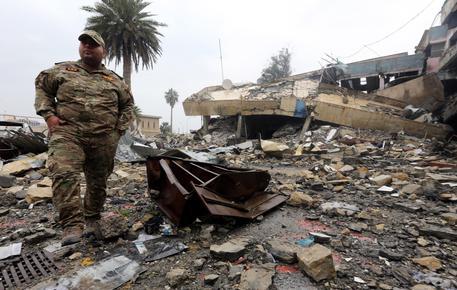 Russia accusa Usa: con raid su Raqqa e Mosul civili in pericolo