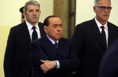 'Ruby ter', altri soldi alle ragazze: ennesima tegola per Silvio Berlusconi