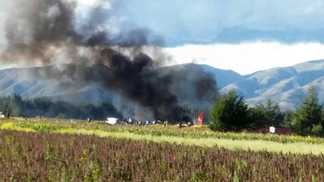 Perù: in fiamme aereo Peruvian Airlines