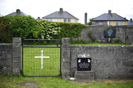 Irlanda orfanotrofio, trovata una fossa comune con circa 800 bambini
