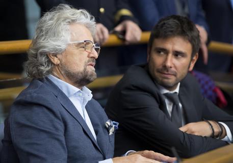 Migranti, l'accusa di Grillo: 'Ruolo oscuro delle ong private'