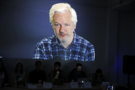 Wikileaks, Trump vuole arrestare il fondatore Julian Assange:
