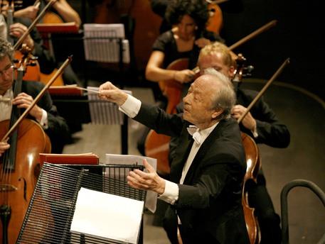 È morto a 89 anni Alberto Zedda, direttore d'orchestra che riscoprì Rossini