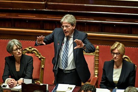 Il presidente del Consiglio Paolo Gentiloni durante le comunicazioni al Senato in vista del Consiglio europeo del 9 e 10 marzo, Roma, 8 marzo 2017 © ANSA