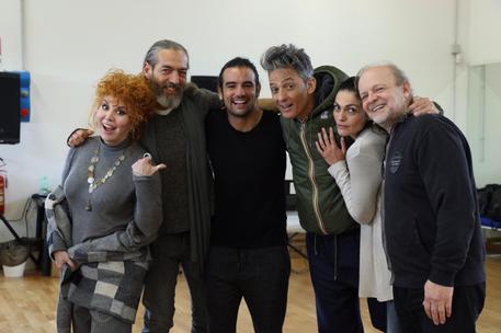 Fiorello a sorpresa alle prove di divo nerone opera rock - Divo nerone casting ...