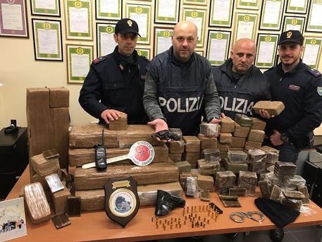 Marano, blitz della Polizia: sequestrata droga per 1 milione di euro