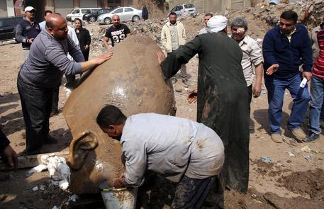 Cairo, scoperta statua di Ramses II alta 8 metri