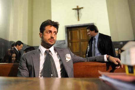 Milano, processo Corona: in aula tensioni con il compagno di Moric