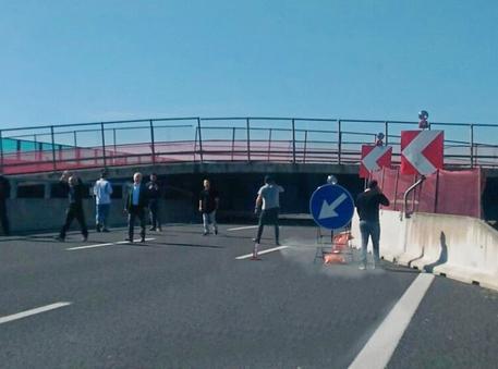Il ponte crollato in A14 in una