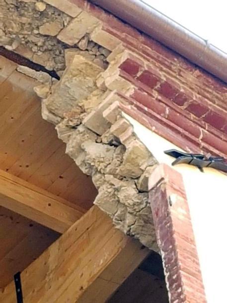 Terremoto: sindaco Caldarola, restituiamo le fasce tricolori © ANSA