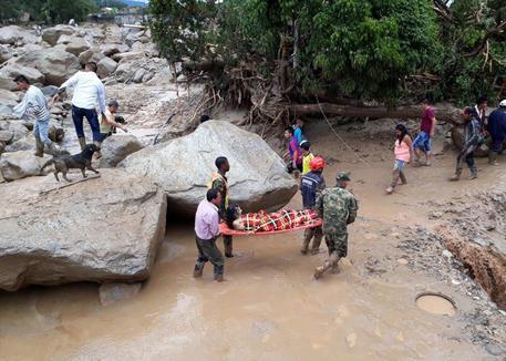 Frana in Colombia, centinaia di morti