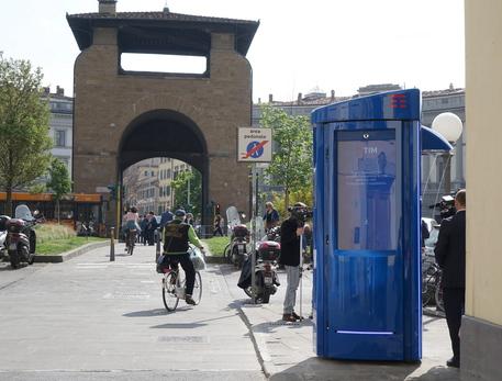 cabina telefonica hi-tech, anche per web - tlc - ansa.it - Cabina Telefonica