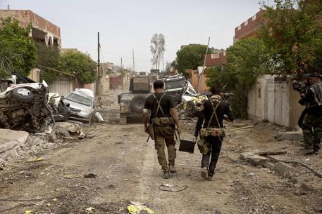 Attacco chimico dell'Isis nell'area di Mosul