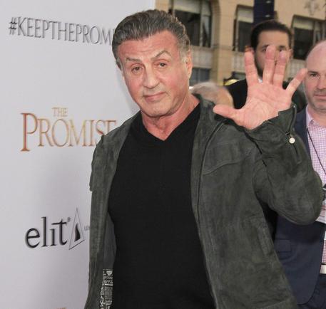 Sylvester Stallone accusato di molestie, lui: una storia ridicola