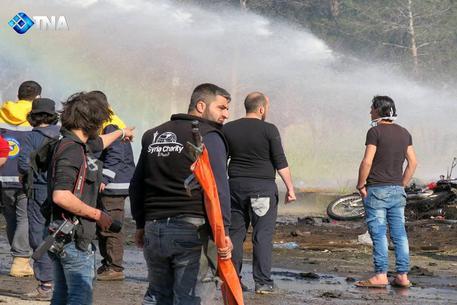 Autobomba fa strage ad Aleppo tra i civili evacuati © ANSA