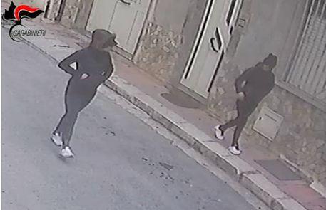 Due donne in manette, rapinarono un'anziana