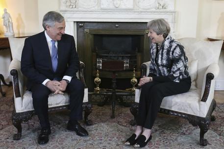Brexit, stamani incontro Tajani-May a Londra: