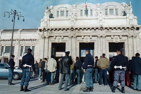 Milano, militari aggrediti in Stazione Centrale: avevano chiesto documenti ad un immigrato