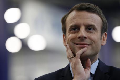 Parigi: premier tuona contro Le Pen, è senza vergogna