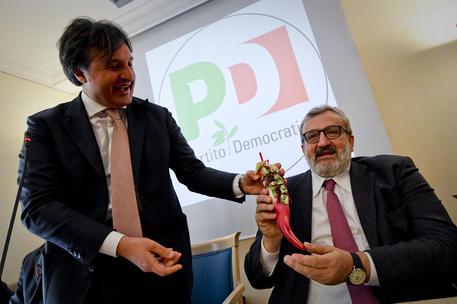 Pippi Mellone: il sindaco fasciocomunista che invita a votare Emiliano alle primarie