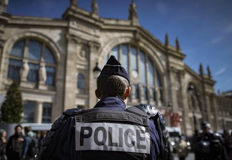 Parigi, evacuata Gare du Nord alla ricerca di tre pericolosi terroristi
