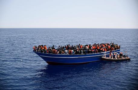 Migranti: Di Maio, Ong hanno trasportato criminali © ANSA