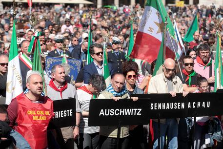 25 aprile: Milano, corteo unitario per Europa e Pace