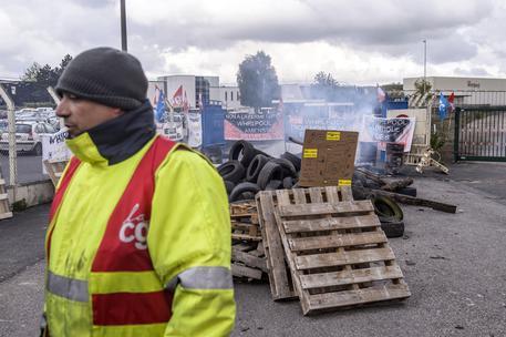 Operai ad Amiens © EPA