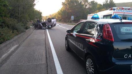 Cagliari, auto si ribalta sulla SS 126: morta 34enne