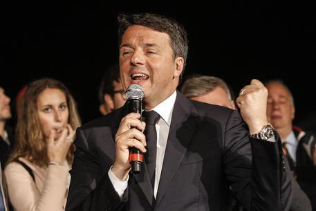 Plebiscito per Renzi. L'ex-premier torna ad essere il segretario del PD