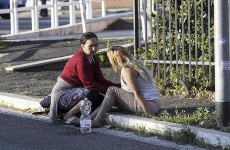 Centocelle (Roma): camper in fiamme, muoiono tre sorelle!