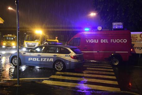 Ordigno esplode nella notte a Napoli dimensione font +