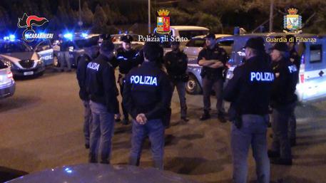 Un fermo immagine tratto da un video delle forze dell'ordine © ANSA