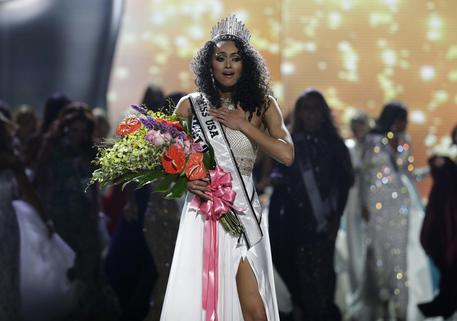 Kara McCullough è Miss Usa 2017. E' nata a Napoli