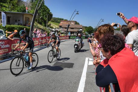 Giro a bagno di romagna vince fraile dumoulin sempre in rosa ciclismo - Tappa firenze bagno di romagna ...