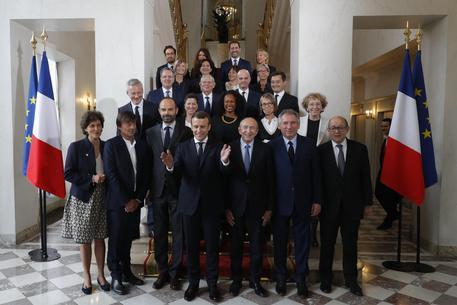 9 uomini e 9 donne, ecco l''équipe' di Macron