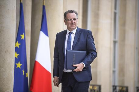 No comment Macron su ministro sotto inchiesta