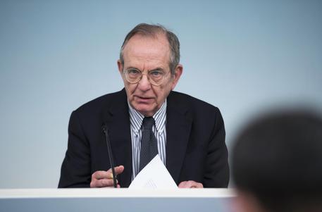 Il ministro dell'Economia, Pier Carlo Padoan, in una immagine di archivio © ANSA
